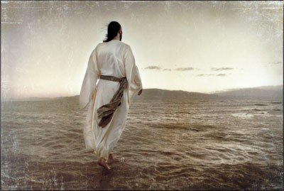 jesus-walking-water